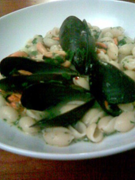 Gnocchetti sardi with mussels finished dish