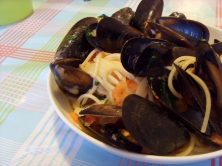 Spaghetti with mussels finished dish