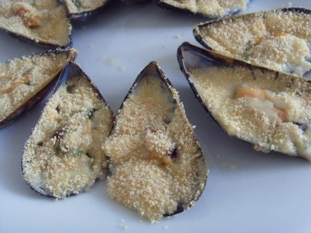 Baked mussels finished dish